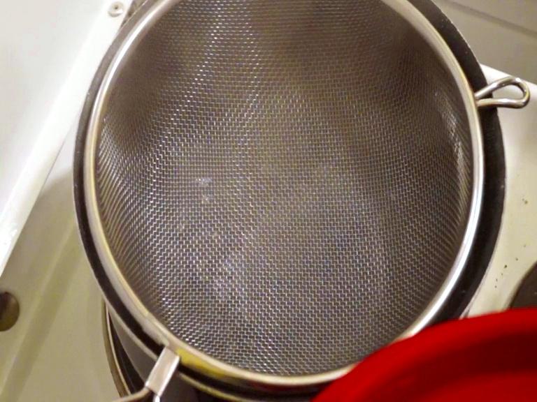 Casserole d'eau bouillante