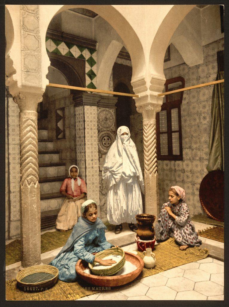 Femmes Maures préparant le Couscous