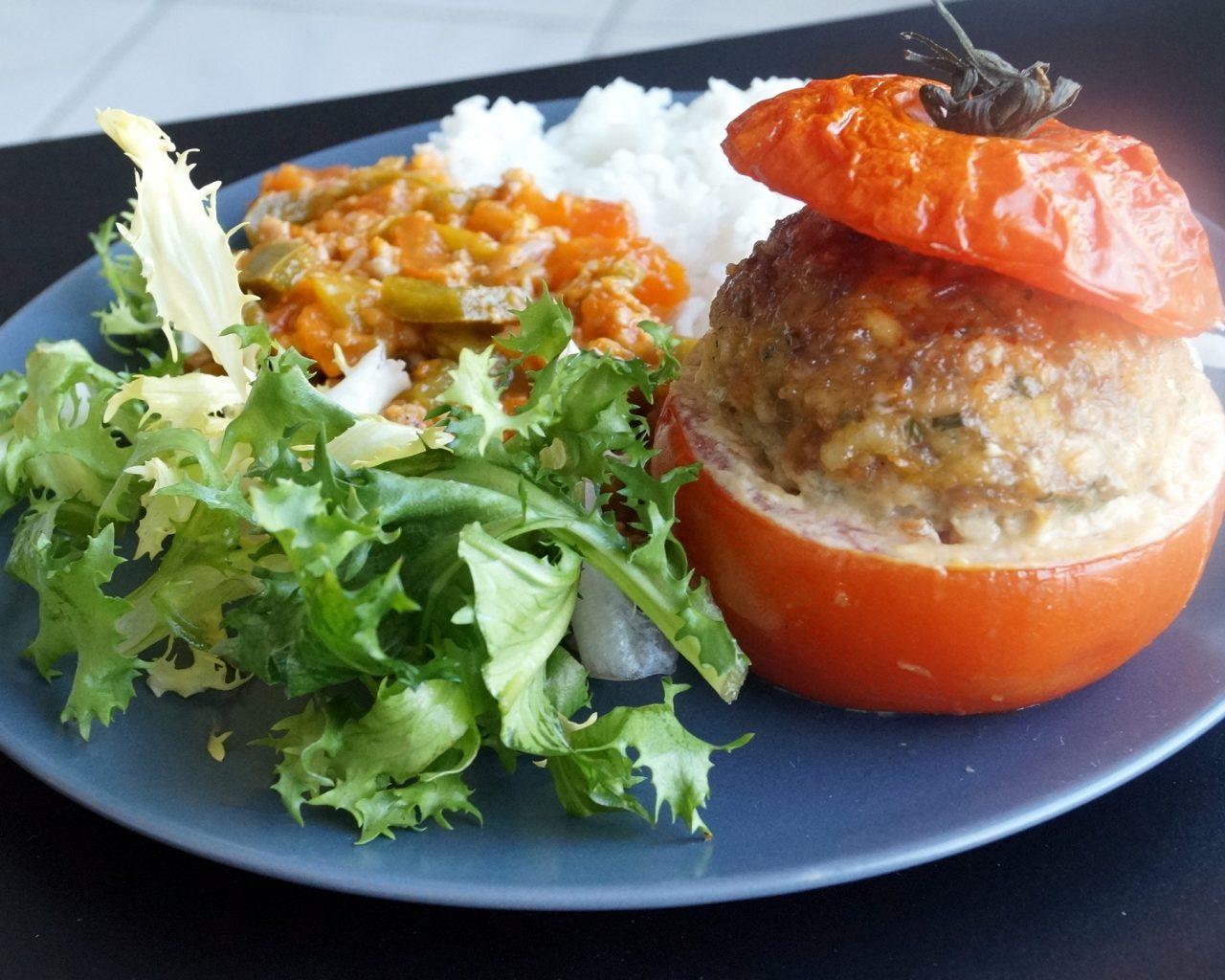 Plat de tomates farcies