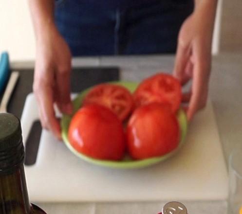 Dégorgez les tomates