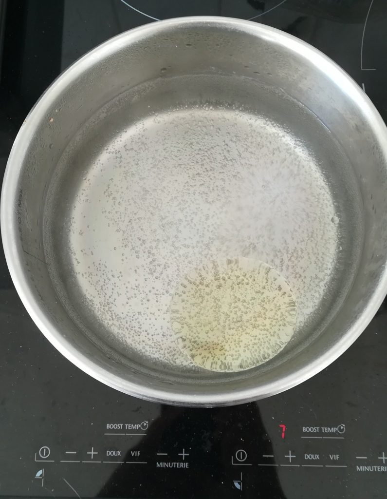 huile dans l'eau des pâtes