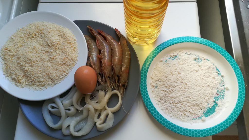 Ingrédients pour calamars et crevettes croustillants