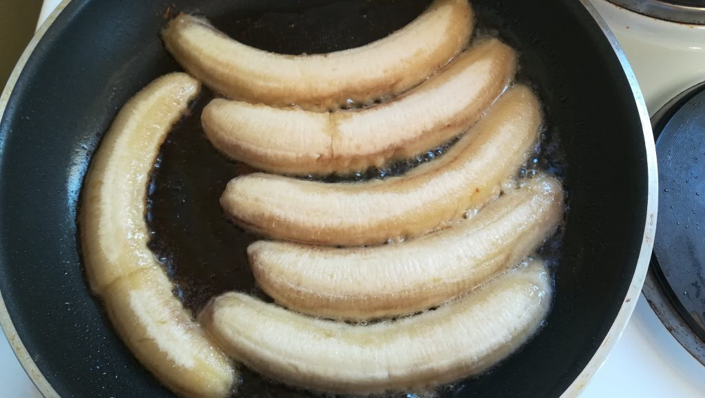 Dessert de bananes flambées