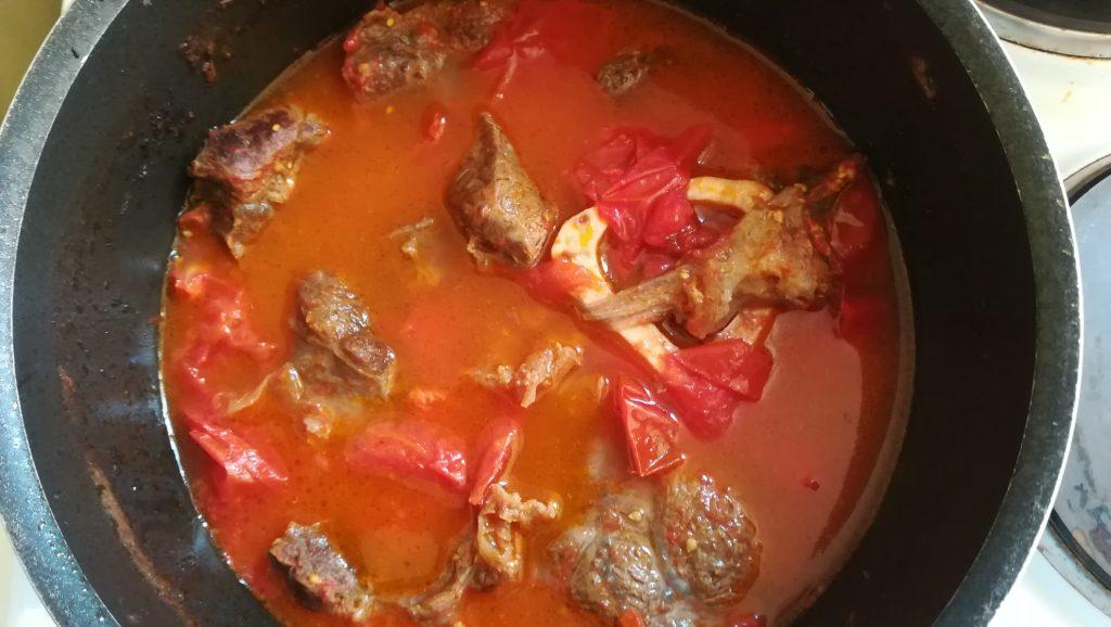 Tomates sauce pour romazava