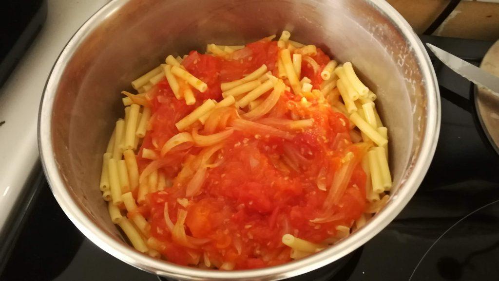 Pâtes et tomates