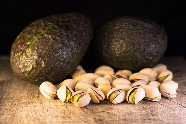 Avocats et pistaches