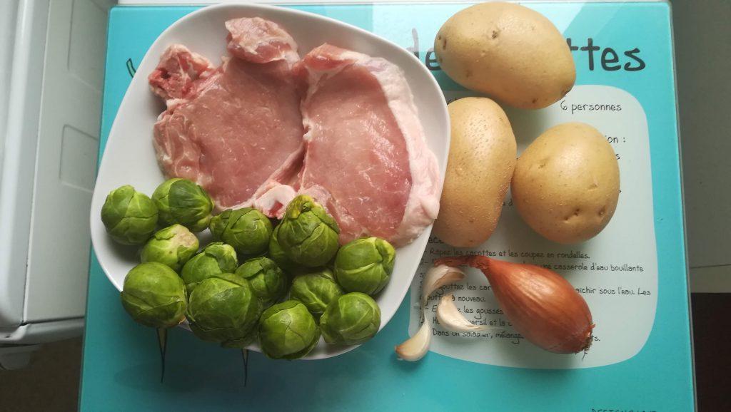 Choux de Bruxelles, côtes de porc, pommes de terre
