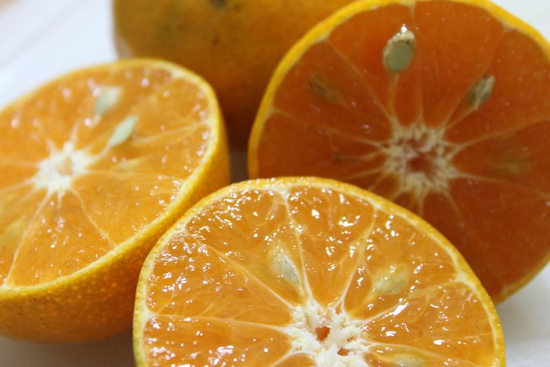 Les oranges sont des fruits importés